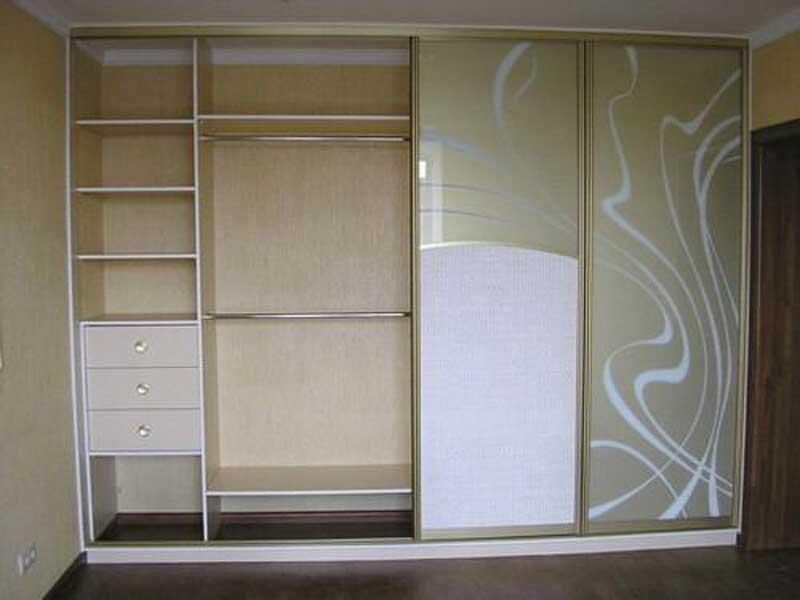 Шкаф-купе внутри: примеры планировки шкафа.